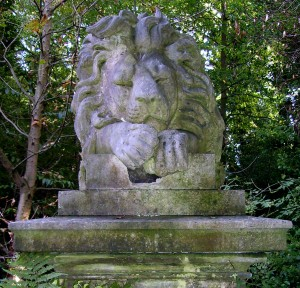 Lion Nero, a star in the menagerie and Highgate Cemetery